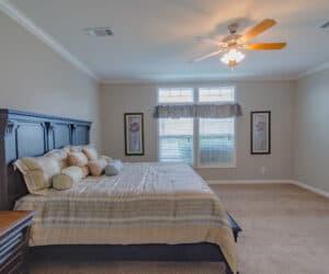 Bedroom in house model Oak Hill made by Pratt