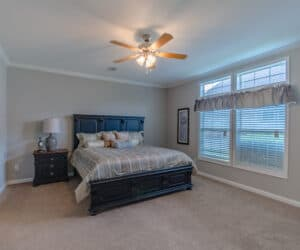 Bedroom from house model Oak Hill made by Pratt Homes