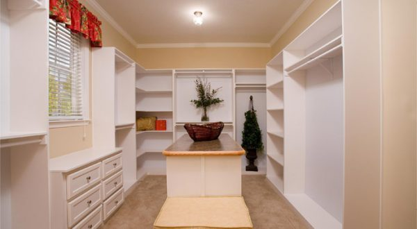 Custom closet for modular homes