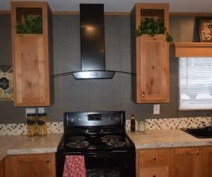 Equipped kitchen from the house model 1676B from Pratt Homes offer