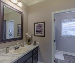 Bathroom of house model Sterling made by Pratt Homes