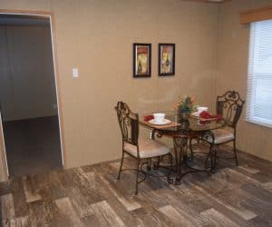 Dining room from the house model 1676B from Pratt Homes offer in Tyler Texas
