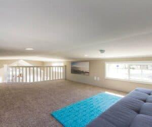 Spacious bedroom of house Beachview made by Pratt