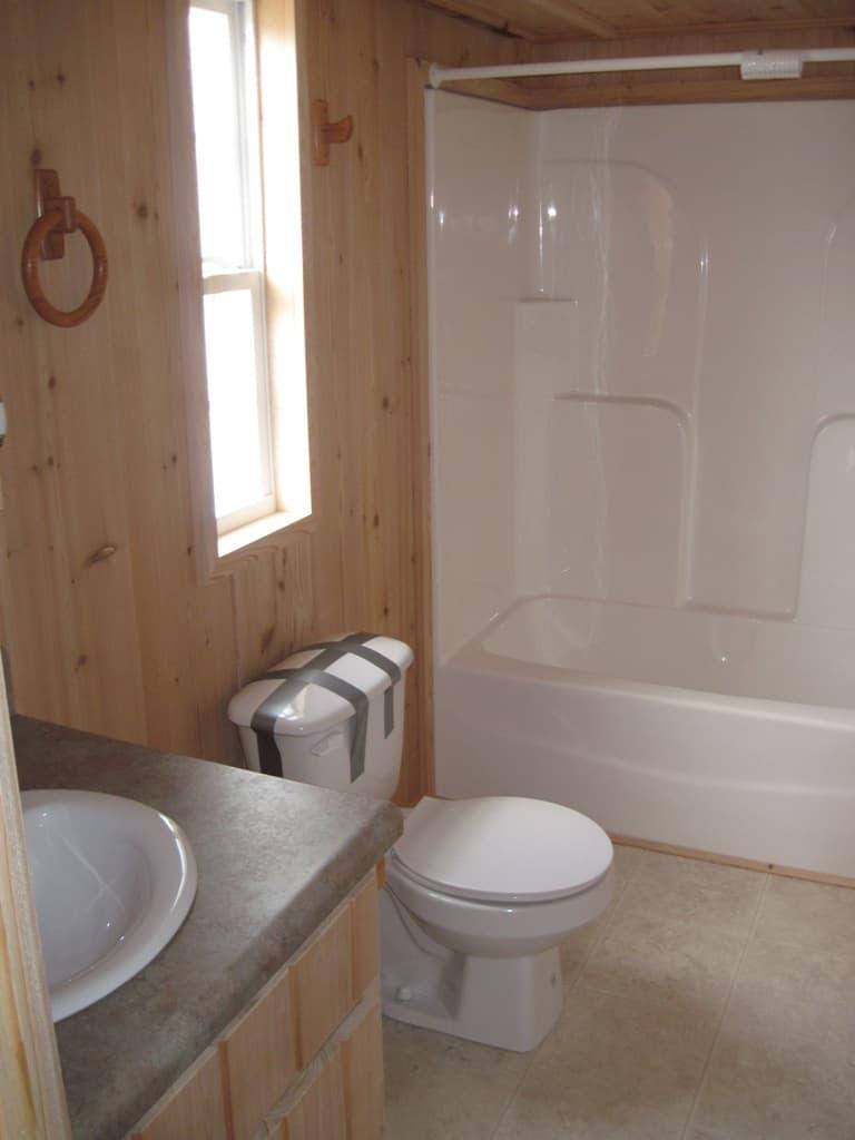 Bathroom from the house model Arrowhead Lodge made by Pratt from Tyler Texas