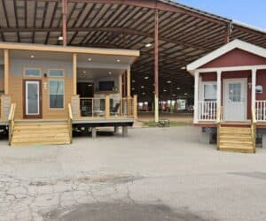 Exterior of incredible tiny home model Mindy and Barnhouse made by Pratt