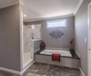 Bathroom with bathtub from house model Ranch