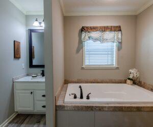 Bathtub in Master Bathroom from Modular Home Sequoia V2