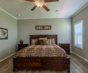 Master bedroom in the house model Lakeside made by Pratt Homes from Tyler