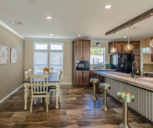 dining room in the modular home Reyenga made by Pratt Homes