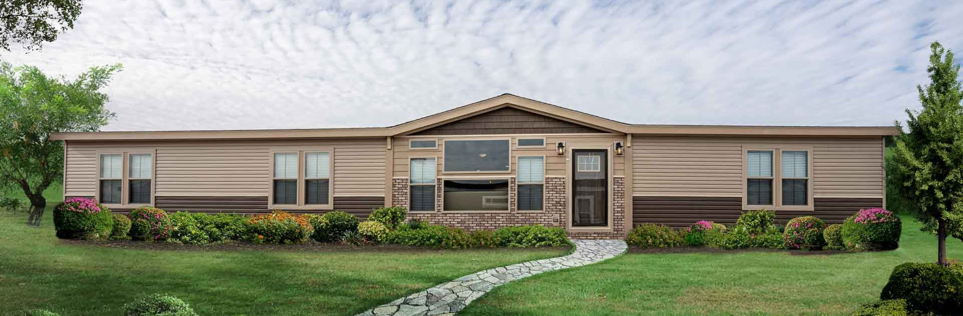 front view of the Bailey house model made by pratt homes tyler texas