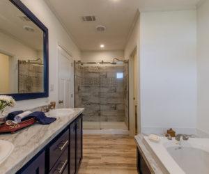 master bath at the McKenzie house made by Pratt Homes Tyler