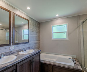 master bathroom at the frenchman house made by pratt homes tyler txž